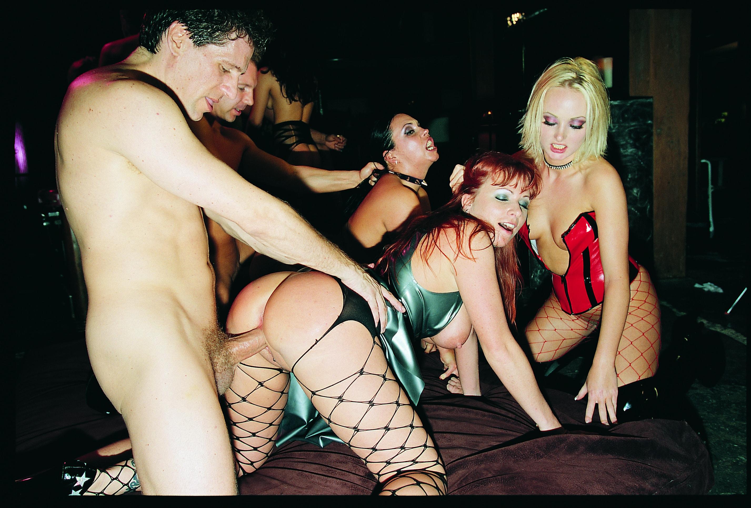 girls-kylie-ireland-orgy-eats-guys-ass