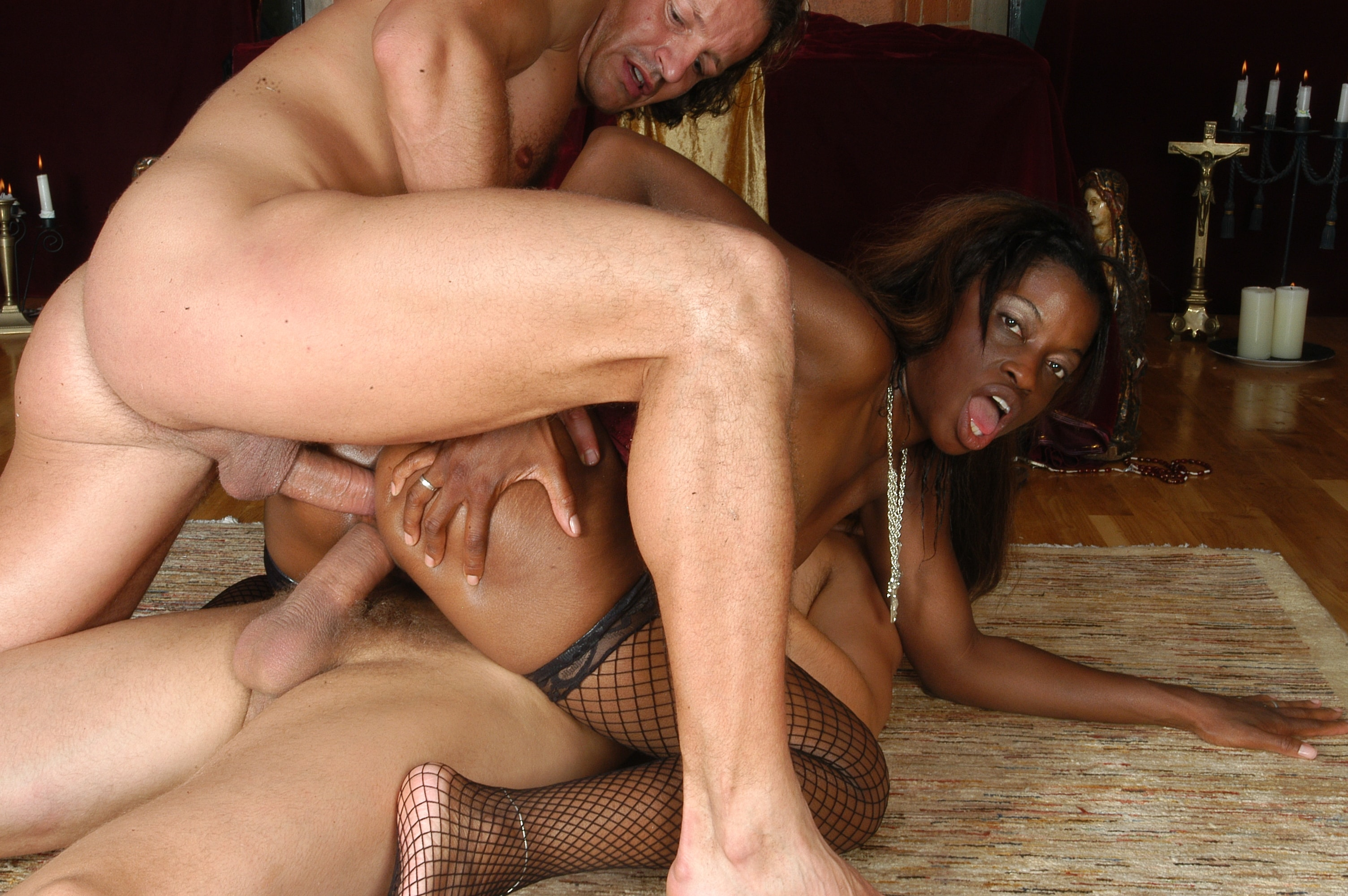 Double penetration pictures and black pussy porn